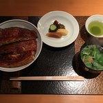 日本橋 伊勢定 - 特製鰻 大丼