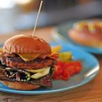 SAUSAGE  FEST - Chorizo burger