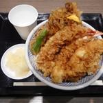 日本橋 天丼 金子半之助 - 一番安い天丼¥900+税