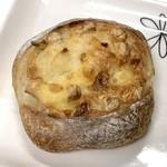 79869535 - 「チーズフランス」(240円)