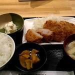 串鳥 - ヒレカツ定食580円。