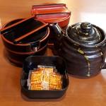 だるま家 - 料理写真:きゅうり漬物・千枚漬け・ソース