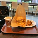 自由が丘バーガー - チーズバーガー&ドリンクセットA:ポテト&コーヒー1