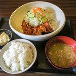 ファミリー和食処 笑食 - 料理写真:「チキン南蛮定食」(680円)。土日は780円になります。