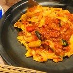 カフェ ド ペラゴロ - 野菜と大豆トマトソースのボロネーゼ風パスタ