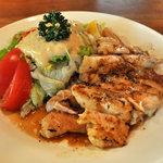 サラダの店サンチョ - 若鶏のグリルチキンとサラダ(1,000円)