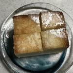 79882290 - 厚切りパンにトローリ蜂蜜のハニートースト