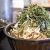 なぜ蕎麦にラー油を入れるのか。 - 料理写真:肉そば大盛り890円