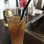 Rikyu Omoya - オレンジジュースとアイスティーを混ぜ混ぜ