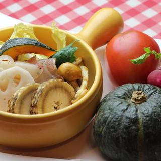 新鮮な野菜本来の美味しさを引き出したお料理をご堪能あれ!