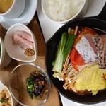 cafe&BistroKitchen Belle anse - ランチメニュー「鮮魚のひとり鍋」です。