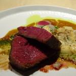 TTOAHISU - *お肉の火入れはいつもながら完璧ですね。ランプですがかなり柔らかく旨みを感じて美味しい。