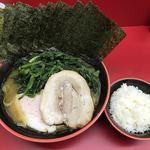 横濱家系ラーメン 勝鬨家 - 海苔+ほうれん草+炙りチャーシュー