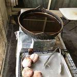 キシモト - たっぷりの油で揚げてるンですね♬