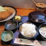 とんかつ なかお - 料理写真:ロースカツ定食 ¥1.100