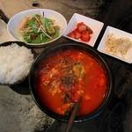 焼肉 肉大将 - 料理写真:ユッケジャン定食(850円)