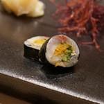 不動前 すし 岩澤 - 料理写真:鯵と沢庵ときゅうりの海苔巻き