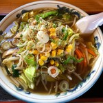 純手打ラーメン宝来 - 料理写真:野菜ラーメン(大盛)