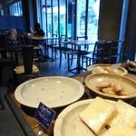 the open bakery - 店内