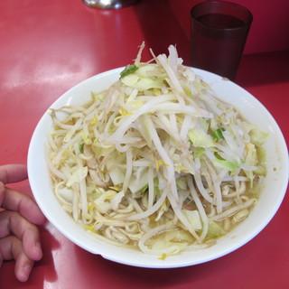 ラーメン二郎 - 料理写真:ラーメン650円 ニンニク