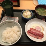なか卯 - 目玉焼きベーコン朝定食
