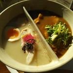 79921131 - 陰陽麺(大盛) 990円