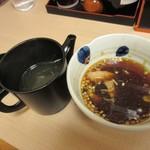 浅草名代らーめん 与ろゐ屋 - 割りスープ提供