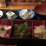 阿倍野肉食大衆酒場 肉ばんざい - 肉ばんざい定食〜〜