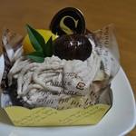 ケーキハウスショウタニ  - 和栗モンブラン