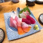 魚河岸酒場 FUKU浜金 - 刺盛り 3種(680円)→5種(サービス)