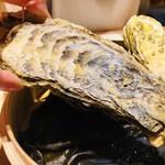 山の幸 三陸の恵み 六金 - 貝殻がかなり大きい!