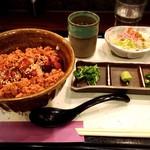 銘鶏やき鳥 鳥仙 - 鶏まぶし飯