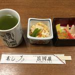 三河屋 - 小鉢と漬物
