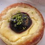 Boulangerie K YOKOYAMA  - クリームチーズタルト