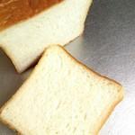 食パン専門店 アルテの食パン - もちこ。断面