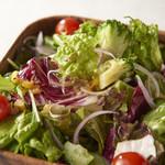サンジのおれ様レストラン - オリジナルサラダ\700Sサイズ/\1100Lサイズ※写真Lサイズ
