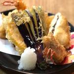 小料理もものふ - 天ぷらの盛り合わせ凄い人気です。