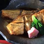 和食処 長瀧 - 毎日の仕入れで日替わりです。この日はカワハギ。