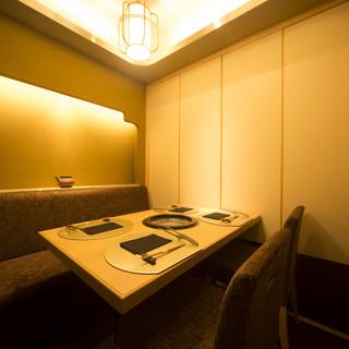 おもてなしに最適、落ち着いた雰囲気の完全個室をご用意