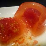キャピタル東洋亭 本店 - ☆中のトマトはやさしい甘さで癒されますね(^◇^)☆