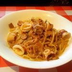 イタリア食堂 - イカのリングイネ