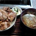 7995841 - 限定メニュー*生姜焼き丼セット(半ラーメン、お新香つき¥500)