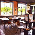 カフェ ルア ルア - 店内でワンちゃんと一緒にゆっくり