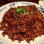 青龍門 - ちょっと味付けが濃い目の「豚肉と玉ねぎの黒炒飯」!