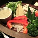 puraibe-tokoshitsunikubaruba-demba-den - 豚しゃぶと彩り野菜のサラダ