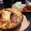 メンチカツバーガー屋 三茄子 - 料理写真:和牛モツのカレードリア¥1,200