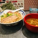 つけ麺や 武双 - 鶏魚介つけ麺並 900円