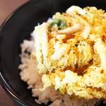 79964343 - 白海老かき揚げ丼とミニ蕎麦
