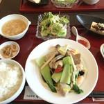 79965997 - Aランチ(鶏肉と海老、青梗菜の塩炒め) 950yen