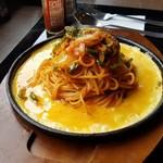 お食事処 楽 - 料理写真:「懐かしの鉄板ナポリタン (680円)」